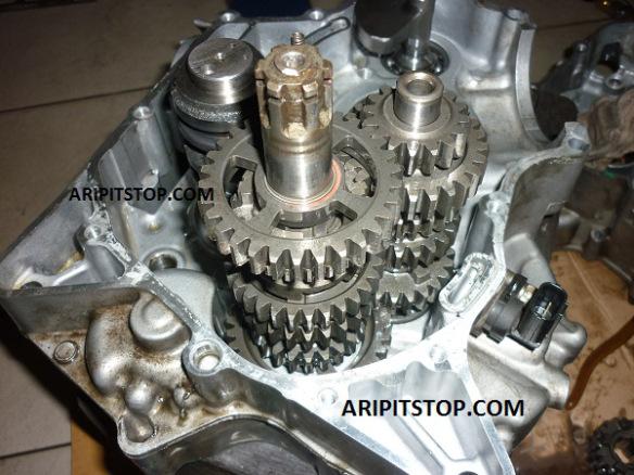 Gearbox 6-Speed Yamaha R15... Paling dicari oleh Rider NVL dan Old Vixion...!!!