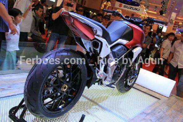 wpid-imos-2014-honda-sfa-concept-bike-06.jpg.jpeg