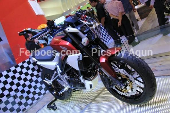 wpid-imos-2014-honda-sfa-concept-bike-11.jpg.jpeg