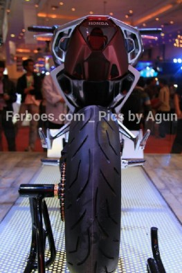 wpid-imos-2014-honda-sfa-concept-bike-15.jpg.jpeg