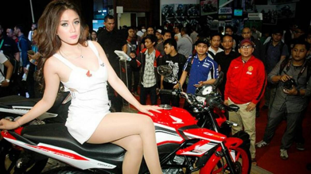 SPG Honda Di IMOS 2014 Yang Paling Hot...!!!