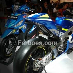 Suzuki gsx rr-04.jpeg