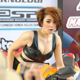 wpid-spg-honda-sexy-hot-18.jpg.jpeg