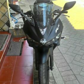 Yamaha r25 black predator-03.jpg