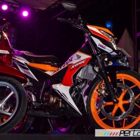 wpid-astra-honda-motor-perkenalkan-new-sonic-150r-repsol-speciaal-edition-dan-warna-baru-honda-scoopy-di-jogja-09-pertamax7-com.jpg