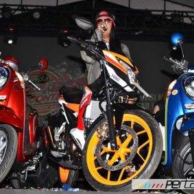 wpid-astra-honda-motor-perkenalkan-new-sonic-150r-repsol-speciaal-edition-dan-warna-baru-honda-scoopy-di-jogja-11-pertamax7-com.jpg
